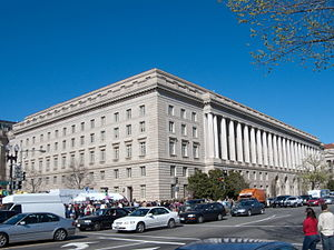 300px-IRS_Building_Constitution_Avenue
